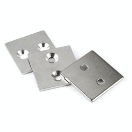 MC-40-40-03 Metallplättchen mit Senkbohrung 40x40x3 mm, als Gegenstück zu Magneten, kein Magnet!