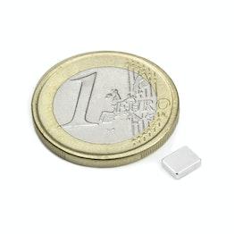 Q-05-04-1.5-N Parallelepipedo magnetico 5 x 4 x 1,5 mm, tiene ca. 500 g, neodimio, N48, nichelato
