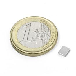 Q-05-04-01-N Parallelepipedo magnetico 5 x 4 x 1 mm, tiene ca. 350 g, neodimio, N50, nichelato