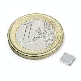 Q-CDM50-N Parallelepipedo magnetico 5 x 5 x 1,2 mm, tiene ca. 450 g, neodimio, N50, nichelato