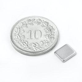 Q-07-06-1.2-N Parallélépipède magnétique 7 x 6 x 1.2 mm, néodyme, N50, nickelé