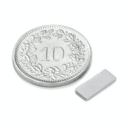 Q-10-04-1.2-N Parallélépipède magnétique 10 x 4 x 1.2 mm, néodyme, N50, nickelé