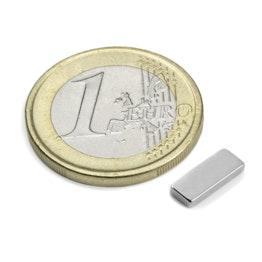 Q-10-04-1.5-N Parallélépipède magnétique 10 x 4 x 1,5 mm, tient env. 900 g, néodyme, N50, nickelé