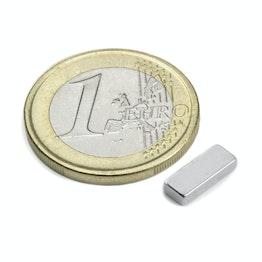 Q-10-04-02-N Parallelepipedo magnetico 10 x 4 x 2 mm, tiene ca. 1,1 kg, neodimio, N50, nichelato