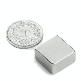 Q-15-15-08-N Parallélépipède magnétique 15 x 15 x 8 mm, néodyme, N42, nickelé