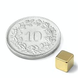 W-05-G Cubo magnetico 5 mm, tiene ca. 1.1 kg, neodimio, N42, dorato