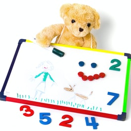 Children's whiteboard 28 x 40 cm for drawing, playing, writing & learning, usable on both sides, magnetic