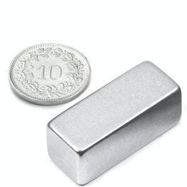 Q-30-12-12-Z Bloque magnético 30 x 12 x 12 mm, sujeta aprox. 9.4 kg, neodimio, N52, galvanizado