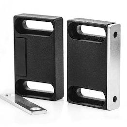 Magneetbeslag breed voor meubels van metaal, met tegenplaat