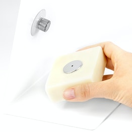Soap holder magnetic with a suction cup and stainless steel disc, to attach in the sink