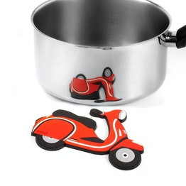 Trivet Scooter magnetic, made of silicone, heat-resistant up to 250 °C