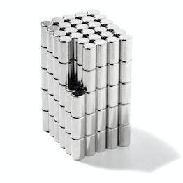 S-04-07-N Cylindre magnétique Ø 4 mm, hauteur 7 mm, tient env. 670 g, néodyme, N45, nickelé
