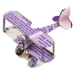 MadagasCAR mini-veicoli magnetici da vecchi barattoli di latta, aereo