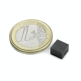 FE-Q-07-07-05 Blokmagneet 7 x 7 x 5 mm, ferriet, Y35, zonder coating