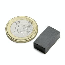 FE-Q-18-10-06 Parallélépipède magnétique 18 x 10 x 6 mm, ferrite, Y35, sans placage