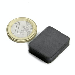 FE-Q-25-20-06 Parallelepipedo magnetico 25 x 20 x 6 mm, ferrite, Y35, senza rivestimento