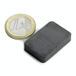 FE-Q-30-20-06 Parallélépipède magnétique 30 x 20 x 6 mm, ferrite, Y35, sans placage