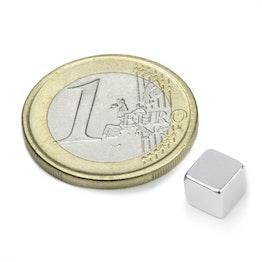 W-06-N Cubo magnetico 6 mm, tiene ca. 1,3 kg, neodimio, N42, nichelato