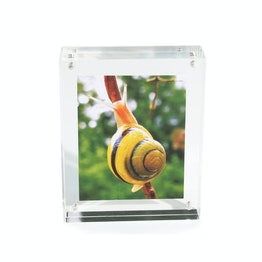Picture frame 11,5 x 9 cm with magnetic catch, made of transparent acrylic glass, for portrait or landscape format