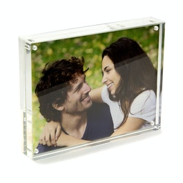 Picture frame 15 x 11,5 cm with magnetic catch, made of transparent acrylic glass, for portrait or landscape format