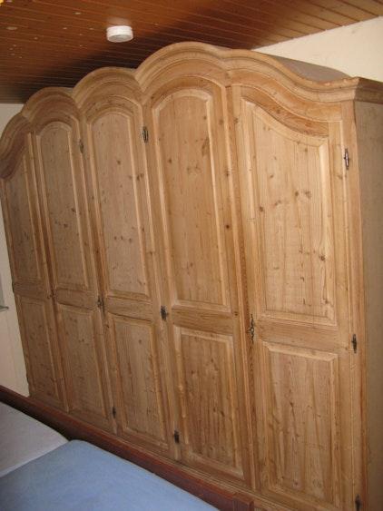 magnetverschluss f r eine schrankt r. Black Bedroom Furniture Sets. Home Design Ideas
