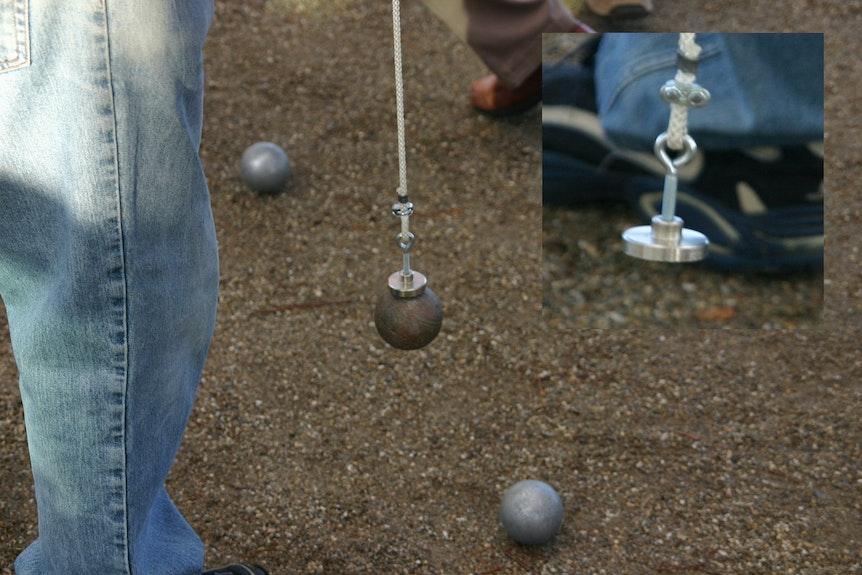 Ramasser des boules sans se pencher for Ramasse boule de petanque