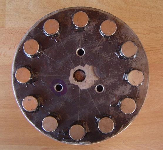 Rotore della girante eolica con magneti incollati