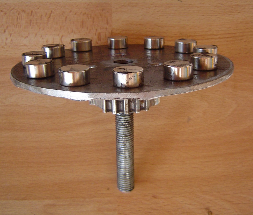 with mounted roller bearing
