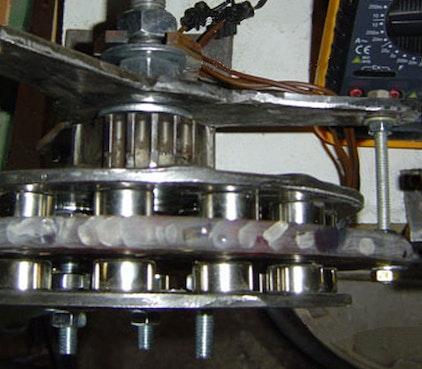 Generator im Testbetrieb auf Werkbank