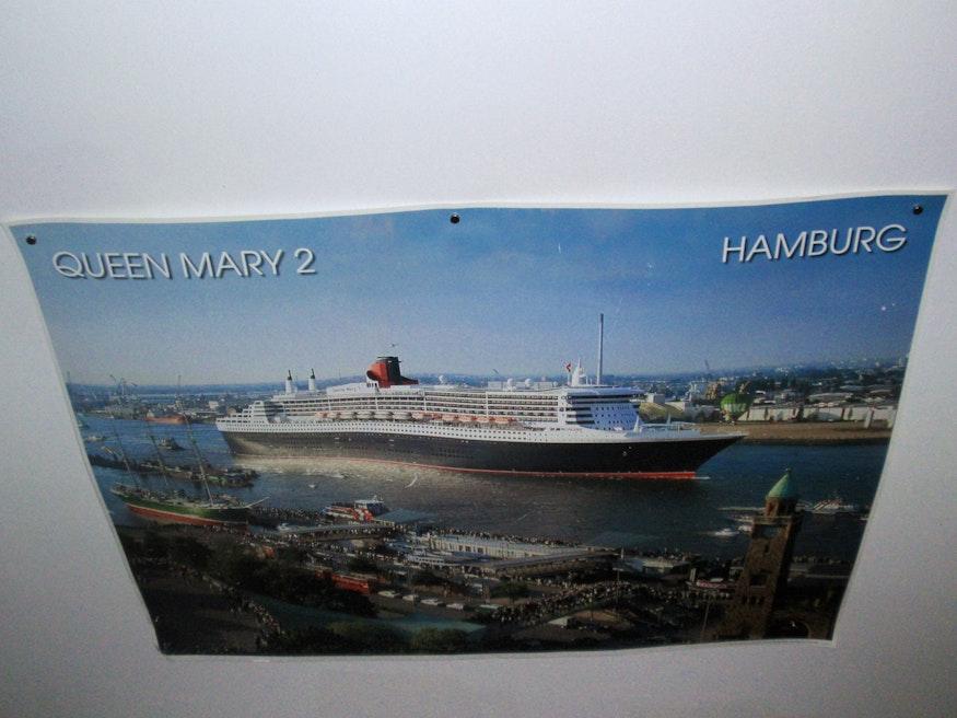 Jetzt kann die Queen Mary 2 auch der Dachschräge entlang fahren
