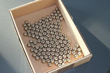Stahlkugeln in Schachtel