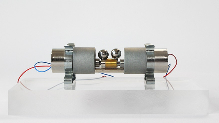 2 discos magnéticos y 2 esferas del tipo