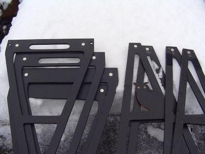 Holzdreiecke mit den Magneten