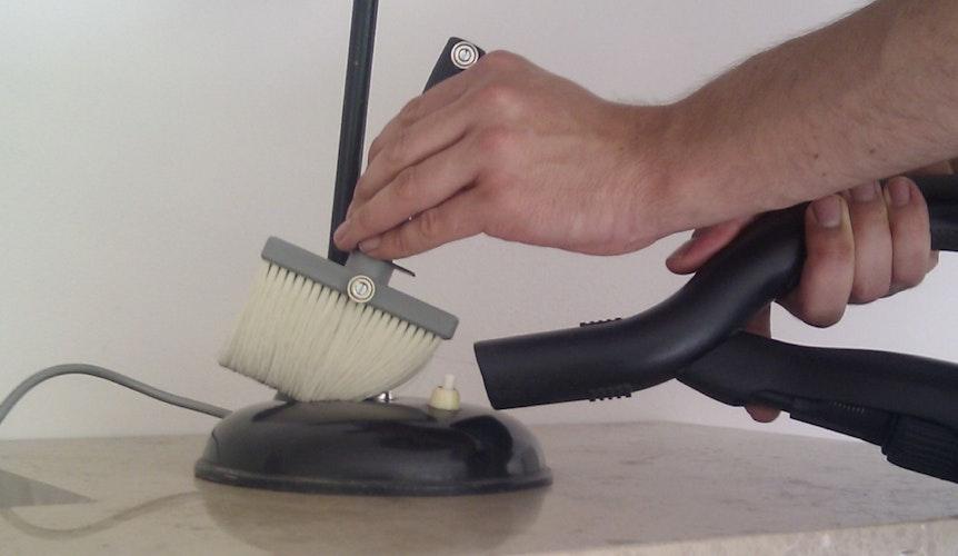 pinsel am staubsauger befestigen magnet anwendungen supermagnete. Black Bedroom Furniture Sets. Home Design Ideas