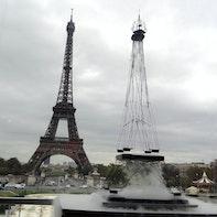 Torre Eiffel fluttuante
