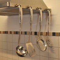 Hanging up cooking utensils