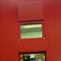 Sichtklappe an Gefängnistüre