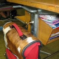 Schultaschen-Aufhängung