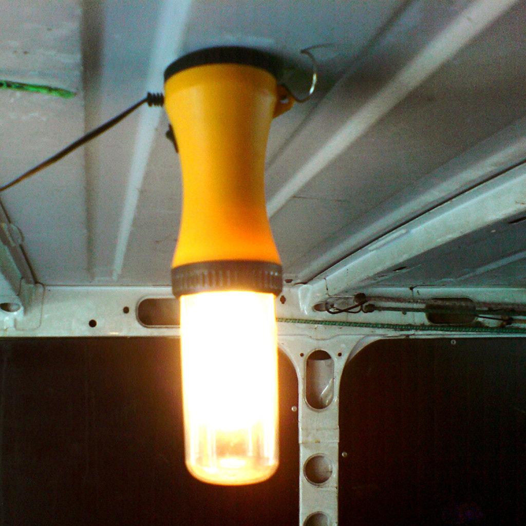 lampe mit magneten an decke befestigen supermagnete. Black Bedroom Furniture Sets. Home Design Ideas