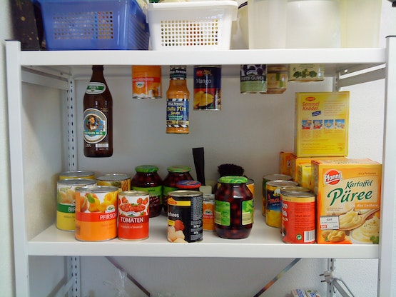 With magnets, you can use the space in your pantry more efficiently.