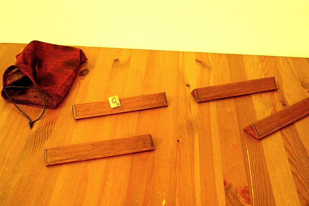 spiel mit magneten aufh ngen magnet anwendungen supermagnete. Black Bedroom Furniture Sets. Home Design Ideas