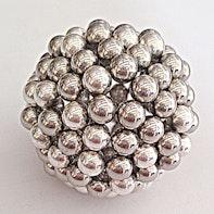 Bola de esferas magnéticas