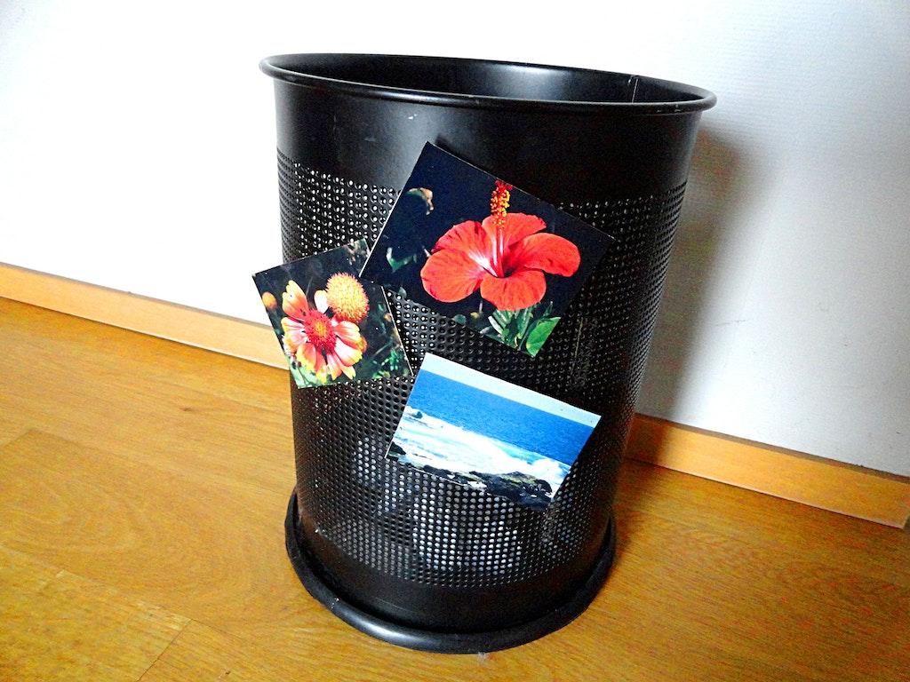 postkartenst nder aus schrauben und magneten supermagnete. Black Bedroom Furniture Sets. Home Design Ideas