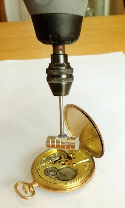 Reloj magnético desmagnetizado