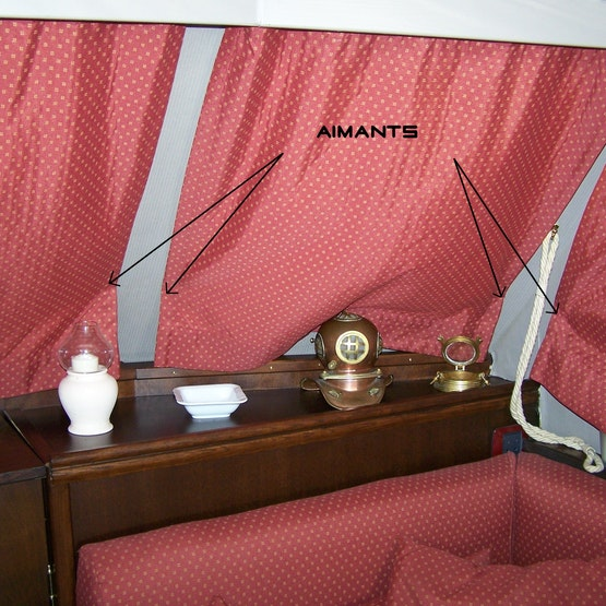Black-out curtains for yacht windows