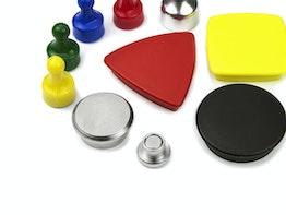 Imanes de oficina con revestimiento metálico o sintético